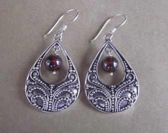 Gorgeous Balinese sterling silver Garnet Dangle earrings, silver 925, Bali handmade jewelry, 1.75 inch long, silver earrings dangle