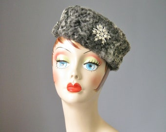 Persian Lamb Hat / Vtg / Jeweled Persian Lamb Hat w Rhinestone Jewel