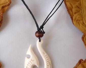 Maori necklace tribal ethnic whale tail bone Maori Fish Hook Whale Tail Pendant Necklace