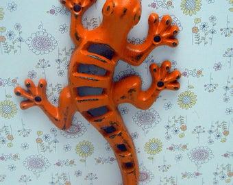 Lizard Gecko Wall Hook Cast Iron Boho Southwest Shabby Elegance Cheery Orange Retro Garden Fence Art Coat Jewelry Leash Towel Keys Hook