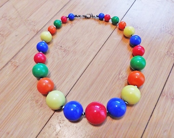 Vintage 1960 Rainbow Small To Large Bead Ball Art Necklace