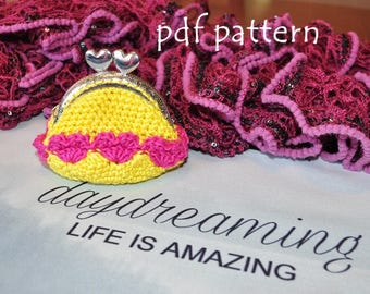 Crochet coin purse with hearts - pdf pattern