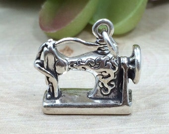Sewing Machine Charm, Antique Sewing Machine Charm, Sterling Silver Charm, Sterling Silver Pendant, PS0665