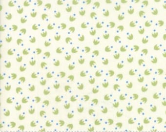 Moda BLOOMSBURY by Franny and Jane-floral duck feet in natural/soft green-(47516 11)-by the YARD