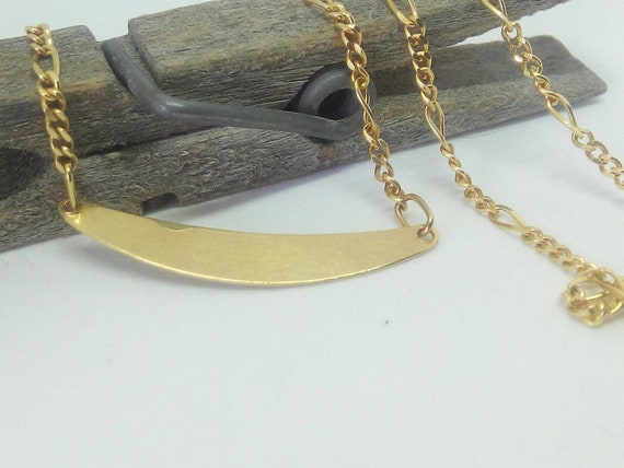 Vintage 18k Yellow Gold Curved  Bar Necklace - Birthday - Anniversary - Gift for Her