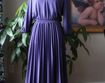 Womens Vintage Pleated Day Dress// Kay Windsor