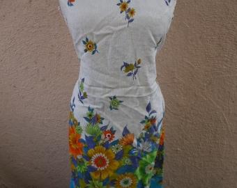 "Bust:  36 - 38"" **Stunning 1960s Textured Cotton Floral Dress"