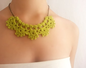 Bridesmaid green necklace Party choker Cocktail jewelry Crochet necklace
