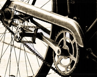 Old Bicycle Close-Up [DIGITAL DOWNLOAD]