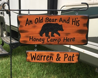 Camping Sign an Old Bear and Honey #022