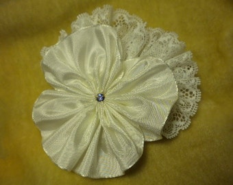 White Lace Pansy Ribbon Flower Applique