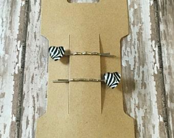Zebra heart bobby pins