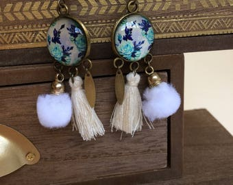 Vintage blue and beige tones cabochon earrings.