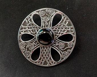 Sterling Silver - Celtic Round Knot Brooch - Onyx Irish Pin - Gaelic