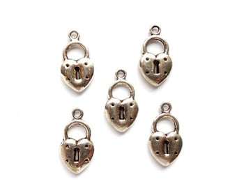 10 Antique Silver Keyhole Charms - 21-49-4