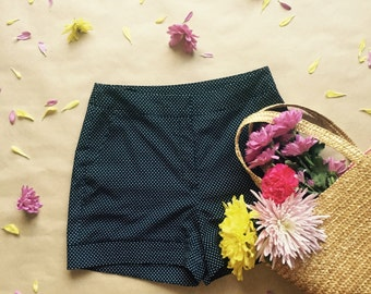 Vintage Inspired Navy Polka Dot High Wasted Short With Pockets