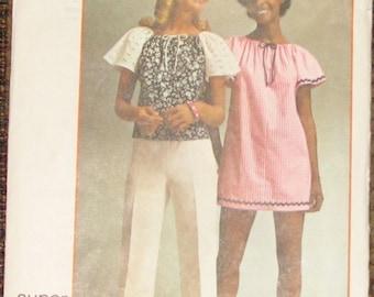 Super Simple Mini-Dress or Top 1970s Vintage Sewing Pattern SIMPLICITY 5468, Medium