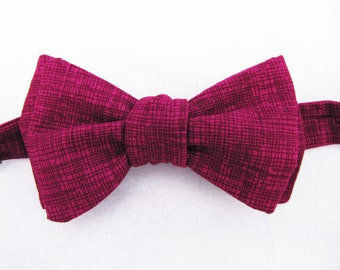 Men's Freestyle Bowtie - Magenta Crosshatch