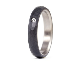 Women's titanium and graphite ring. Modern and indutrial dark grey wedding band.Water resistant, very durable and hypoallergenic. (01301_4S)