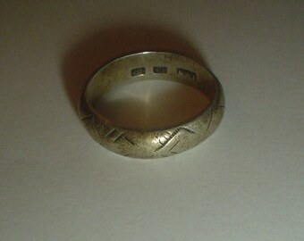 Silver ring band sterling old possibly Native American vintage size 9 UK R.5