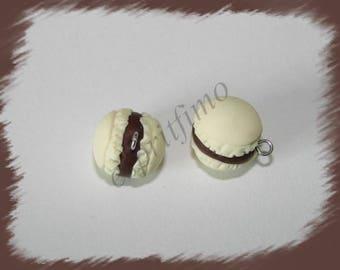 """Vanilla/chocolate macaroon"" charm in polymer clay"