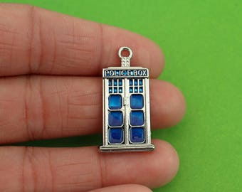 5 Medium Tardis Charms (CH138)