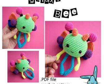 Galaxy Bee - amigurumi crochet  pattern. Developing baby toy. Languages: English, Danish, French,  Norwegian,  Spanish, Portuguese.