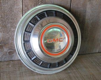 1975-1991 GMC Truck/Camper Hubcap - Item 81