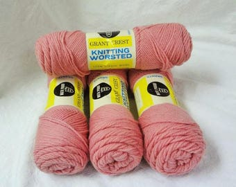 W T GRANT Grant Crest Brand 100% Virgin Knitting Worsted Weight Wool Yarn #510-Lt Rose