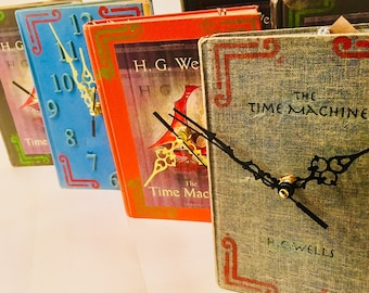 Time Machine Book Clock upcycled from vintage books. Looks great on shelf of a study. Keep your reader on schedule! Keep track of time!
