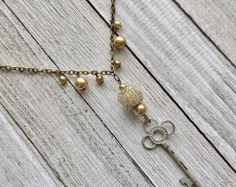 Vintage Style Skeleton Key Necklace, Victorian Style Key Necklace, Shabby Chic Key Necklace, Key Chain Necklace, Key Necklace, Key Jewelry