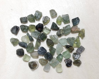 Small green tourmaline, raw tourmaline lot // B*3065