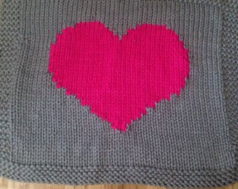 Chunky knit heart baby blanket- Gray with hot pink