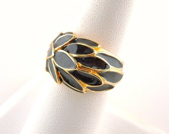 Size 4 18k Gold Plated And Black Enamel Leaf Ring