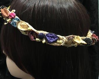 Dried Everlasting 59cm FLower Crown