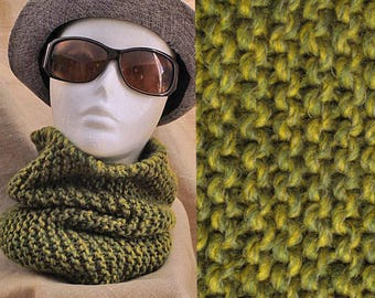 COWL OR SNOOD
