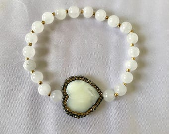 White Jade and Mother of Pearl Shell Bracelet