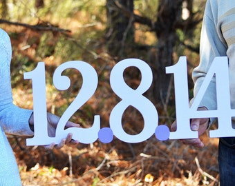 Save the Date Sign- Wood Sign- Engagement photos- Rustic- Wedding Date Sign- Wedding Decoration- Photography Prop