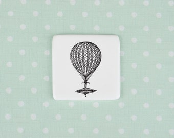 Ceramic Brooch with Vinatge Balloon, Porcelain Badge with Balloon, Traveler Gift
