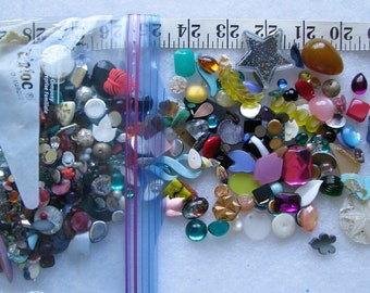Lot Of 100+ Loose Lucite & Glass Stones Jewelry Repair 2