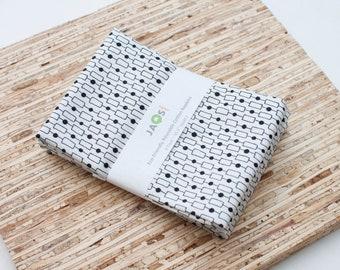 Large Cloth Napkins - Set of 4 - (N6958) - Box Chain White Modern Reusable Fabric Napkins