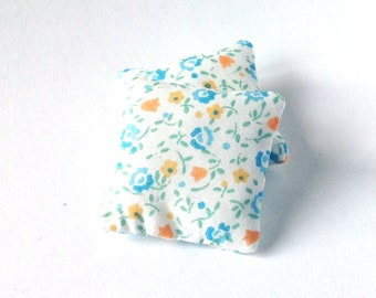 Romantic floral mini pillows 1:12 scale, Dollhouse miniature cushions, set of two throw pillows, blue flowers ma15