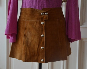 Vintage 1960s A-line leather hipster skirt