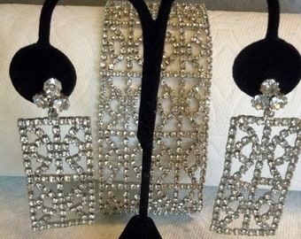 Hobe at its best, bracelet and earring set - mint condition