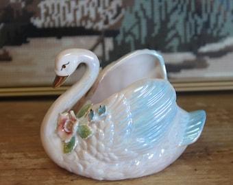 Vintage 1950's beautiful Lustre Swan Vase -  Japan .