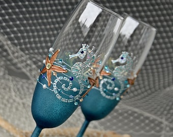 BEACH champagne flutes , Beach Wedding Glasses, Champagne Glasses, Seahorse Glasses, Hand Painted, Set of 2