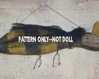 Bee ornie epattern-NOT DoLL Crows Roost Prims 219e Primitive Queen ornament epattern  SALE immediate download