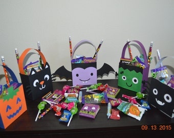 5 pc Paper Halloween Treat Bags