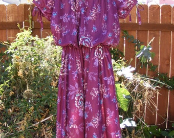 CLASSIC Vintage Plum Flower Dress with Ribbon Sleeves 60's Flower Power Size 6-7