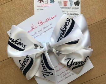 Custom New York Yankees bow, New York Yankees hair bow, New York Yankees fan, Sports fan bow, NY yankees headband